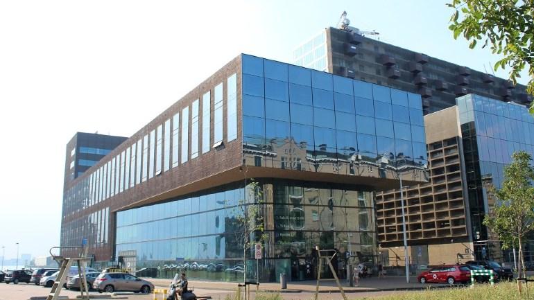 Het gebouw van Rijnmond in de Lloydstraat